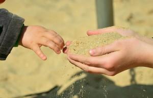 Poesie sulla Felicità -Scritto sulla sabbia - UYM