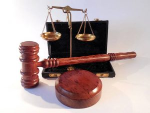 3-setacci-paura-dei-giudizi-altrui-ergersi-a-giudici-uym