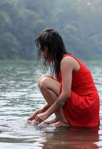 Differenza tra Piacere e Felicità - Dissetarsi con acqua salata - uym