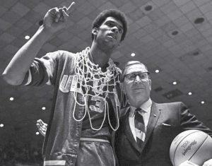 Differenza-tra-vittoria-e-successo-John-Wooden-e-Kareem-Abdul-Jabbar-uym