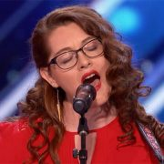 Mandy Harvey - cantante sorda - uym