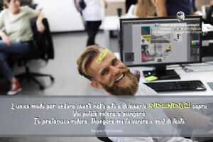 Immagini con Aforismi significativi - Il potere del sorriso - uym