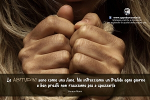 Immagini con Aforismi significativi - Le abitudini - uym