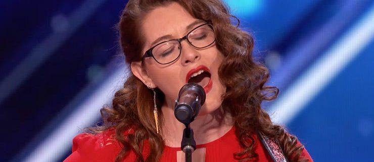 Mandy Harvey - cantante sorda - uym