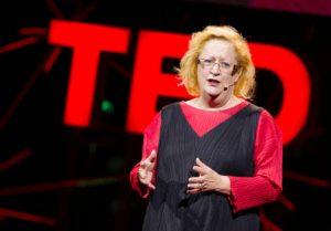 Migliori TED per il tuo sviluppo personale - Margaret Heffernan durante la conferenza TEDTalk - osare di dissentire - uym